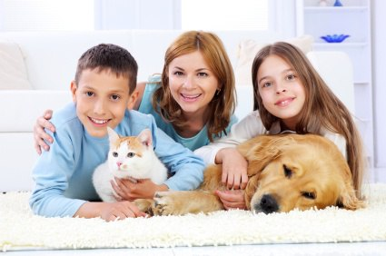 Family enjoyment of mothers with children and pets.