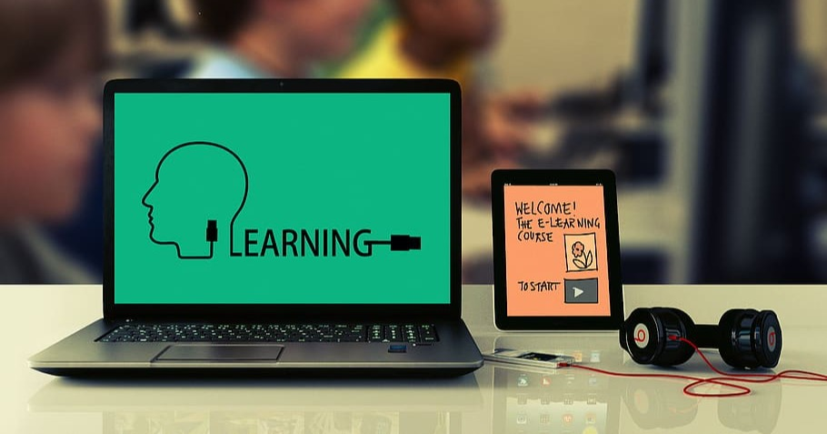 How Technology in the Classroom Benefits Students & Enhances Learning